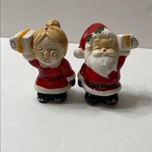 Mr. & Mrs. Santa Claus salt & pepper shaker